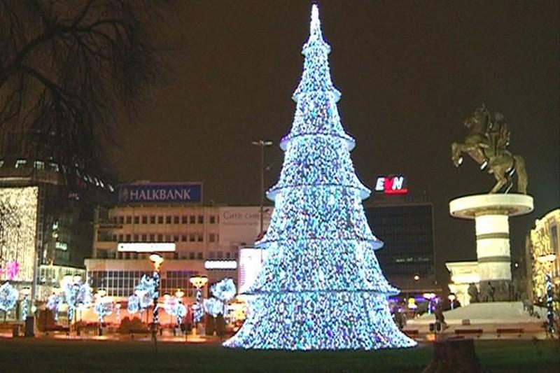 Прослава на Нова Година на скопскиот плоштад