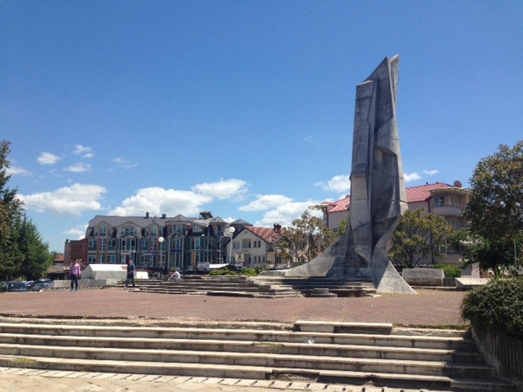 Градоначалникот на Струга, Зијадин Села нема ништо против да се реконструира градскиот плоштад