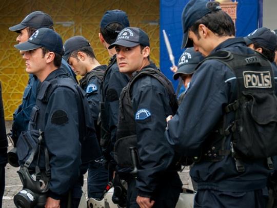 Турција полиција
