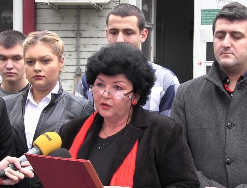 Советничката на СДСМ во општина Центар, Билјана Чурилова изјави дека незаконскиот избор на директор го извршил министерот за образование и наука, Абдилаќим Адеми