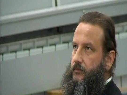 Si qeveri, do ta respektojmë vendimin e gjykatës, ndërsa për motivet, shkaqet dhe rrethanat që kanë sjellë deri tek ky vendim, është e patjetërsueshme të drejtoheni tek organi që e ka sjellë këtë gjegjësisht gjykata- tha Gjorgjiev.