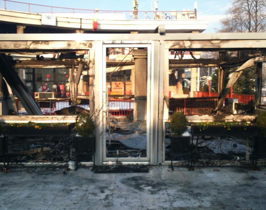 """Кафулето """"Кул"""" утрово беше целосно пеплосано во пожарот"""
