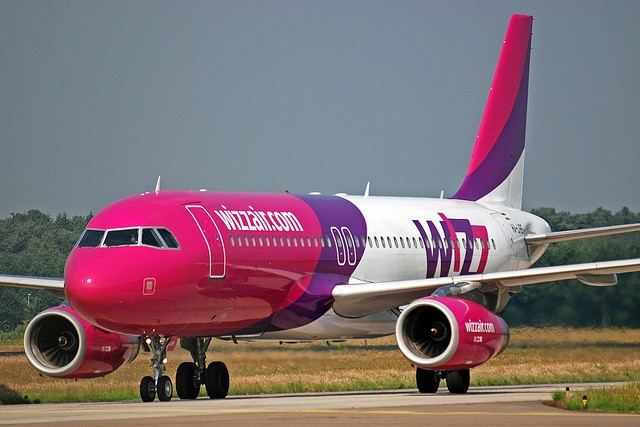 Wizz Air Passengers Arriving From Northern Italy Will Be Leaving Contact Information In Order To Be Located Easier Meta Mk