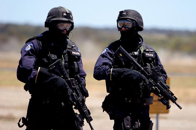 Австралија полиција