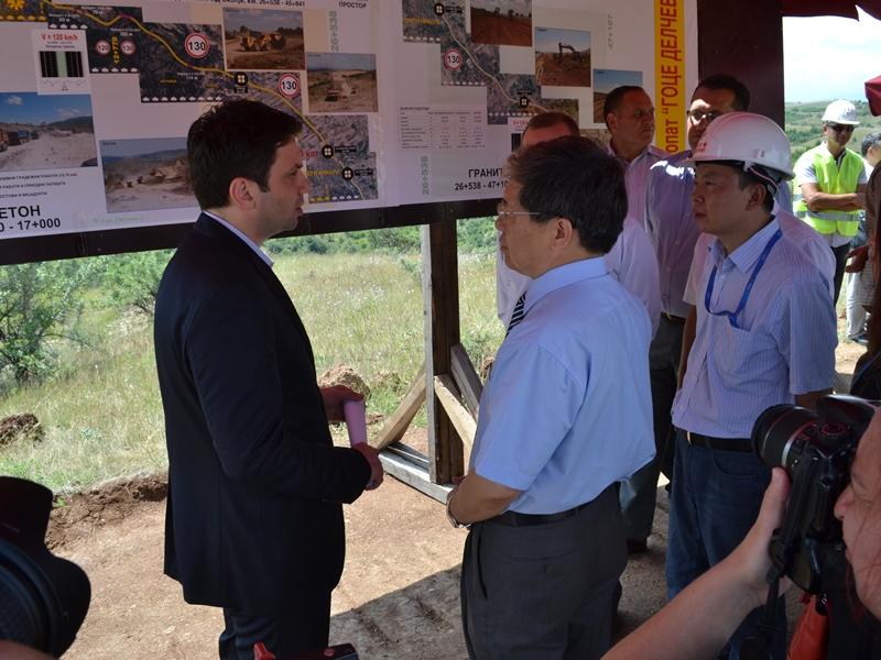 Изградба на автопатот Миладиновце - Штип, Миле Јанакиески со кинеската градежна компанија
