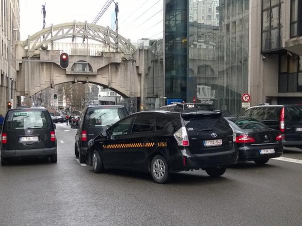 Брисел такси