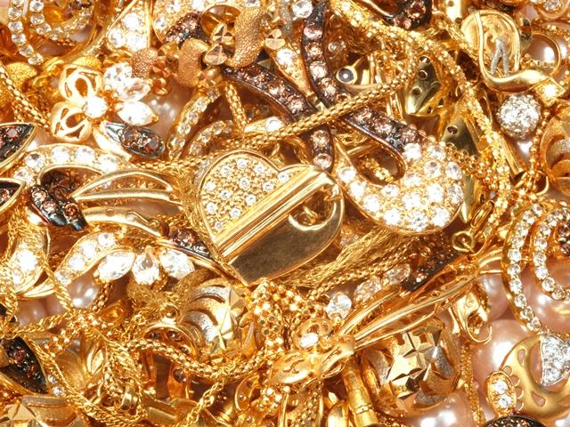 злато накит