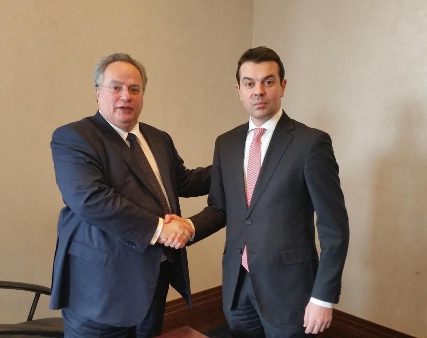 Никос Коѕиас и Никола Попоски