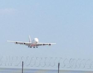 авион