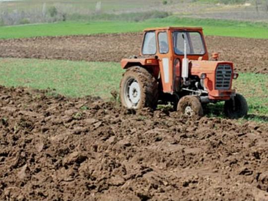 traktor1-zemja