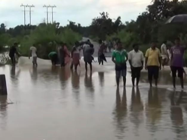 poplavi india