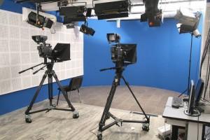 телевизии-студио-камера