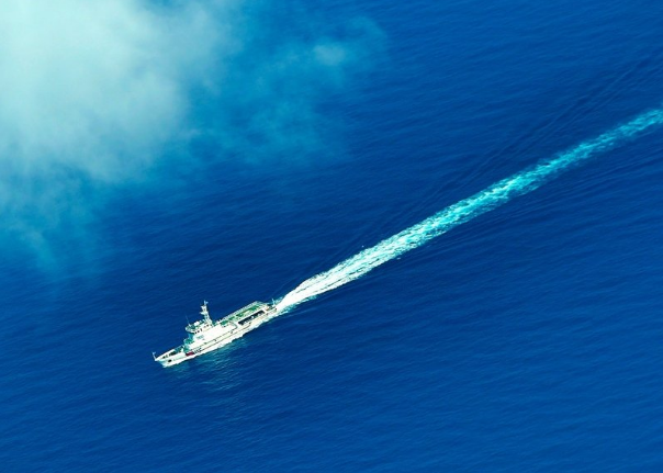 brod kinesko more