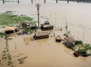 indija poplavi