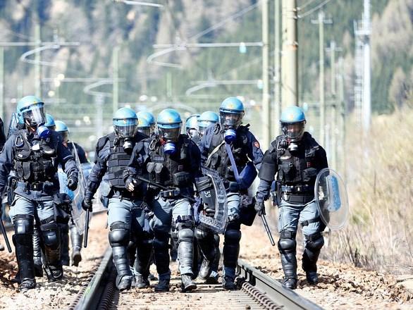 италијанска полиција