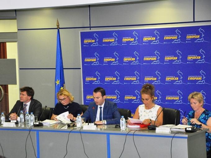 vtor donatorski sostanok za poplavite, EU eksperti
