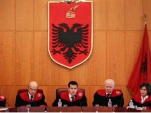 ustaven sud albanija