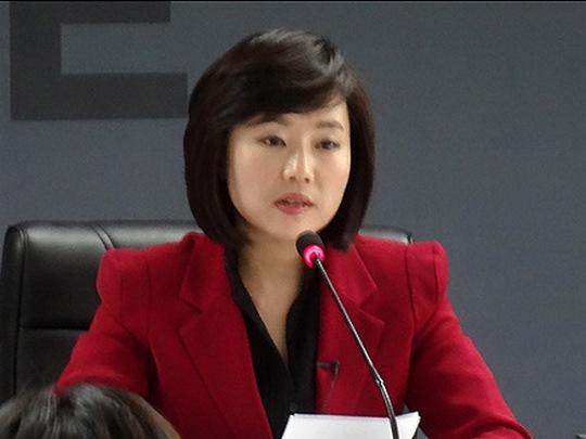 Cho_Yoon-Sun ministerka za kultura juzna koreja