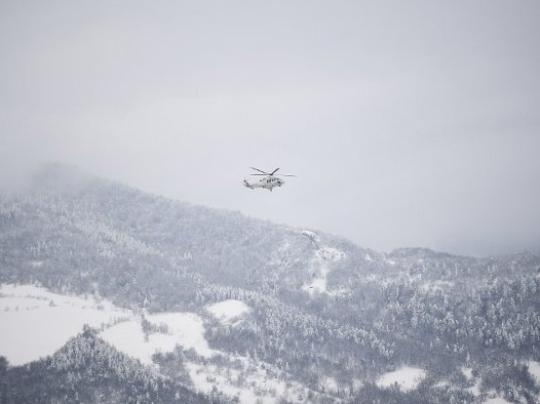 helikopter planina sneg