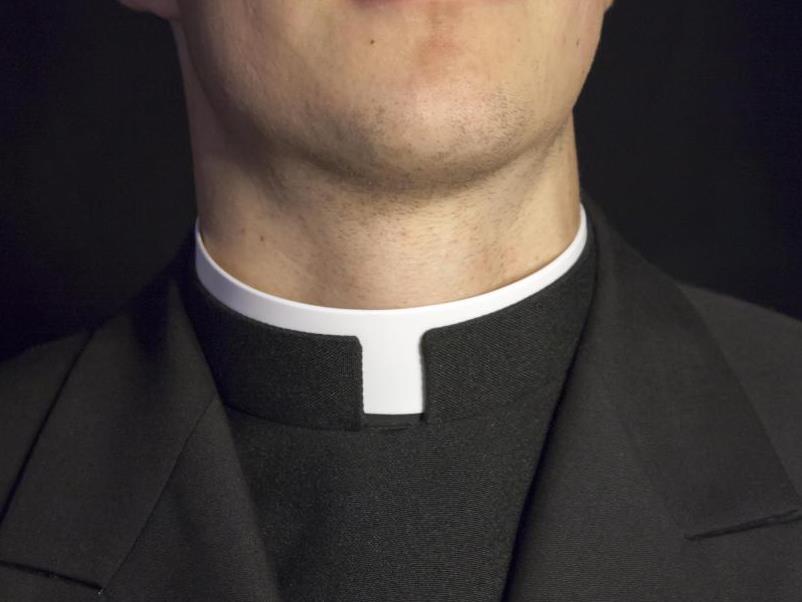 свештеник