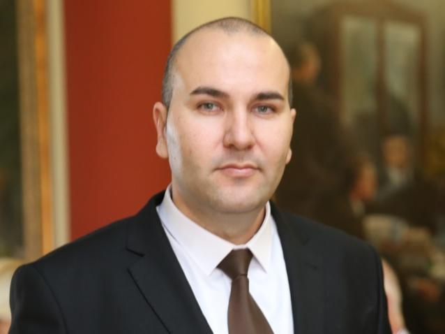 Aleksandar Zarkov1