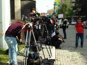 Novinari  - pred Sobranie 2maj17 - Meta