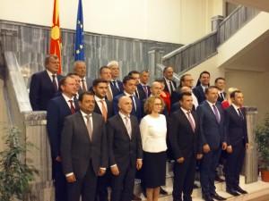 Sobranie nova vlada grupna fotografija 1 31maj17 - Meta
