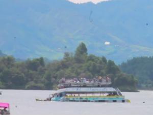 potonat brod kolumbija