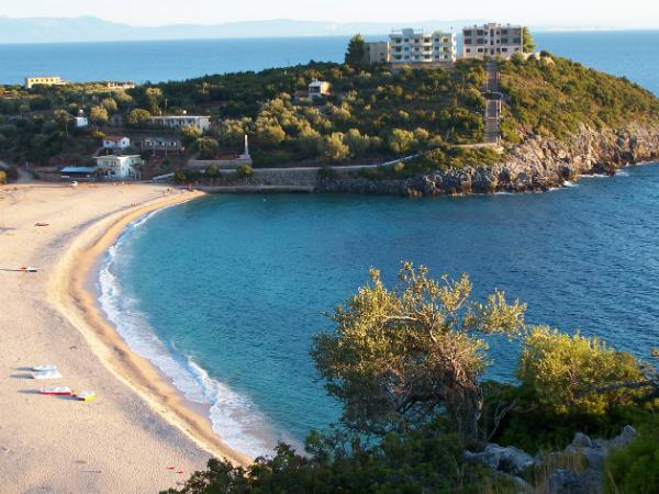Jala_Beach_Vlora_Albania - Wikimedia