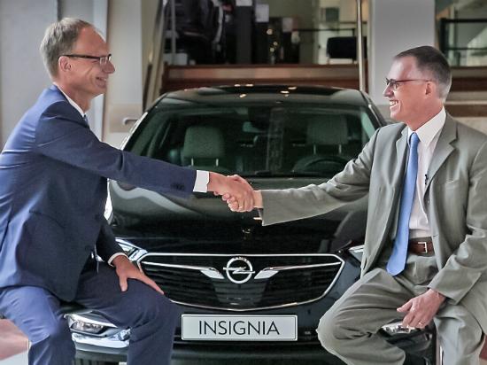 Opel-CEO-Michael-Lohscheller-PSA-Group-CEO-Carlos-Tavares-307668