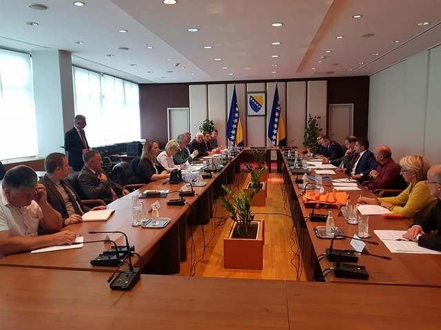 николовски со министрите