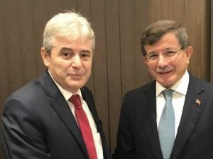 Ali Ahmeti i Ahmet Davutoglu Skopje 27sep17 - DUI