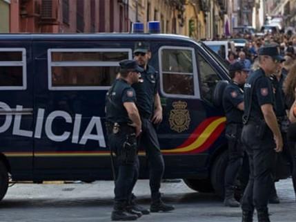 Шпанија полиција Каталонија референдум