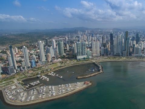 Panama-Stadt mit ca. 1,5 Millionen Einwohnern ist die Hauptstadt und der Regierungssitz des mittelamerikanischen Staates Panama.