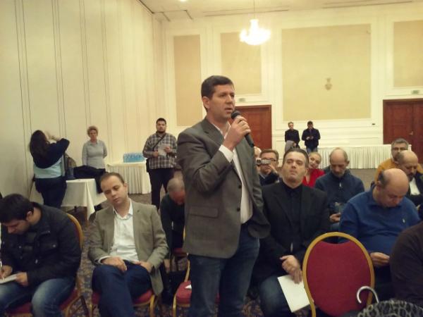 Naser Selmani - debata zakon za AVMU 20noe17 - Meta