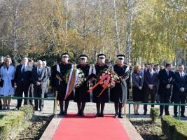 delegacija spomenik na Boris Trajkovski