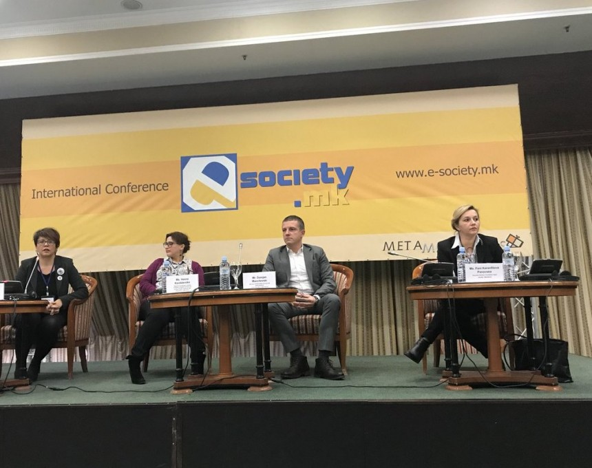 e-society 3