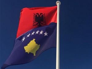 Kosovo Albanija zname