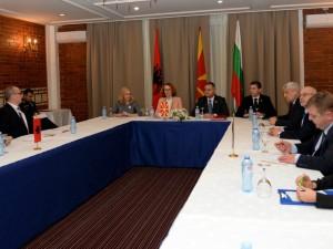 Shekerinska Karakachanov i Petro Kochi vo Ohrid 1 dek 17 - MinOdbranaMK