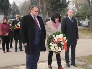Robert Alagjozovski Zorica Apostolska Dejan Pavleski grobot na Gligorov 1jan17 - Vlada na RM