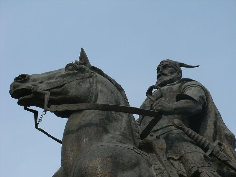 Skenderbeg spomenik