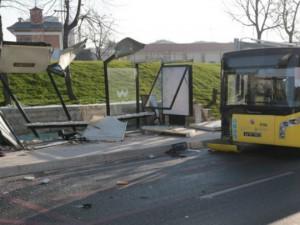 Istanbul avtobuska postojka nesrekja Uskudar 1fev18