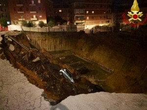 Ponor sinkhole Rim Balduina 14fev18 - Italijanska protivpozharna sluzhba