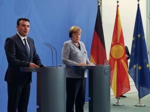 Zoran Zaev i Angela Merkel pres 2 germanska vlada 21fev18 - VladaRM