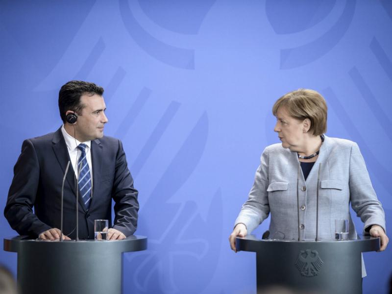 Zoran Zaev i Angela Merkel pres 3 germanska vlada 21fev18 - VladaRM