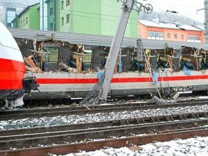 zeleznicka nesreka avstrija