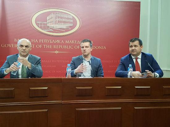 Damjan Manchevski i Hazbi Lika Ramkovni vrabotuvanja brifing 28mar18 - Vlada RM