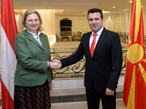 Karin Knajsl avstriska ministerka i Zoran Zaev 27mar18 - Vlada RM