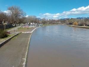 Vardar kaj Vlada nadojden reki poplavi 7mar18 - Meta