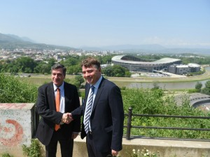 Jorgos Kaminis i Koce Shilegov potpishuvanje dogovor za sorabotka Skopje i Atina 27apr18 - GradSkopje